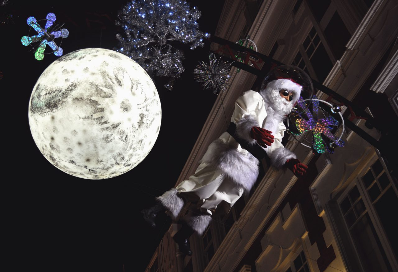 12_a-mockery-of-santa