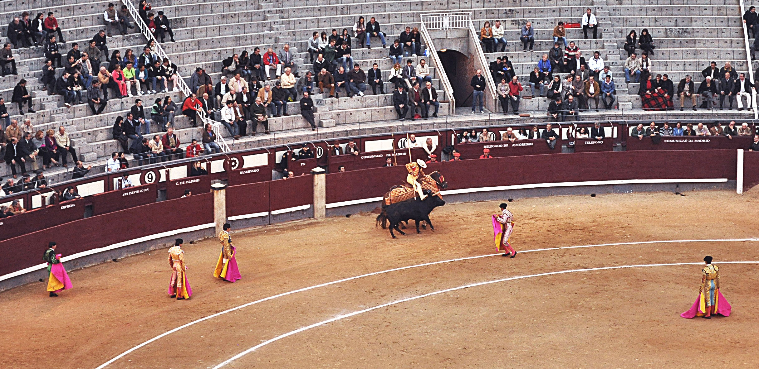 madrid-corida-with-horse-2