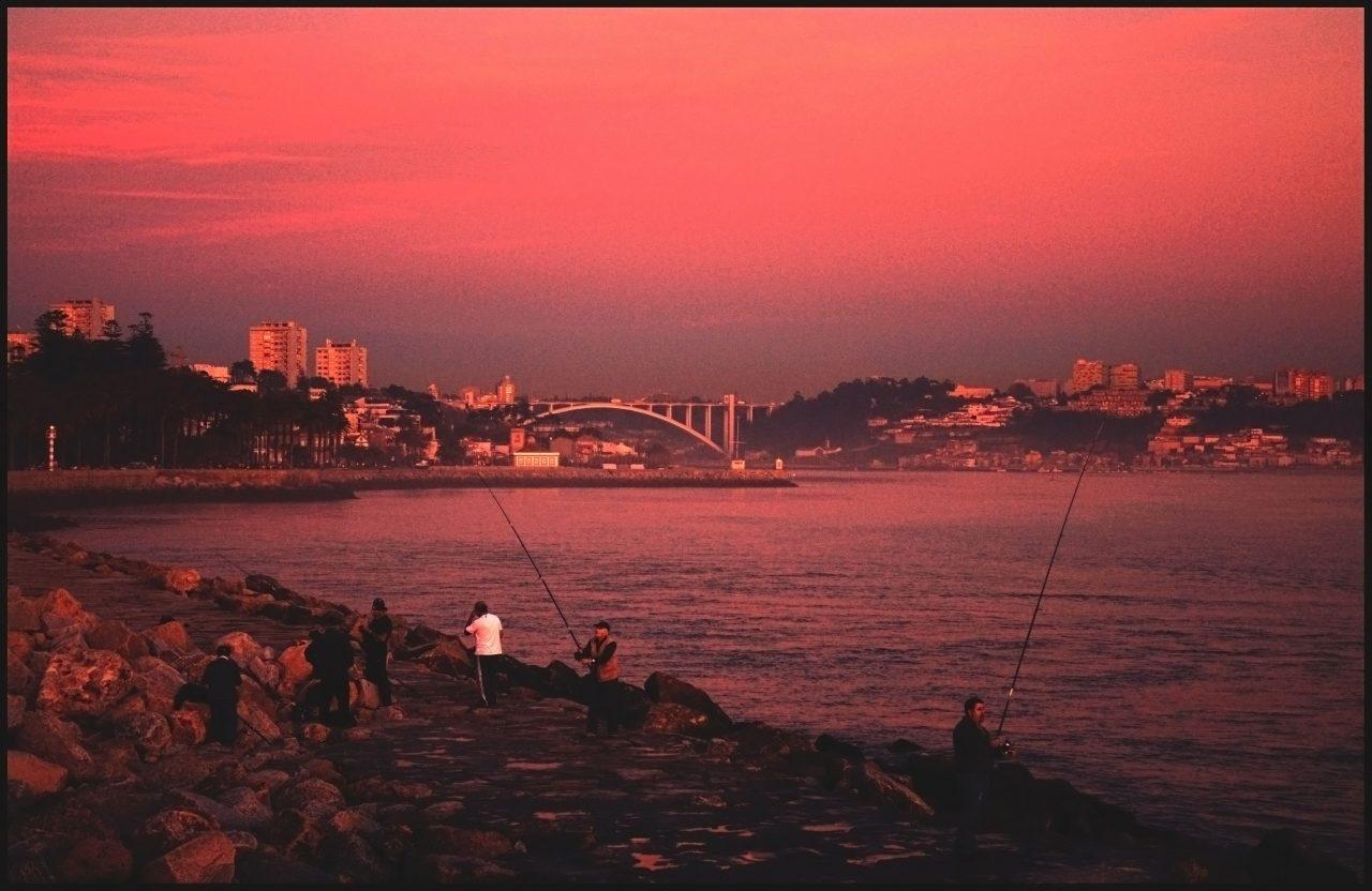 porto_duoro-fishermen-at-sunset