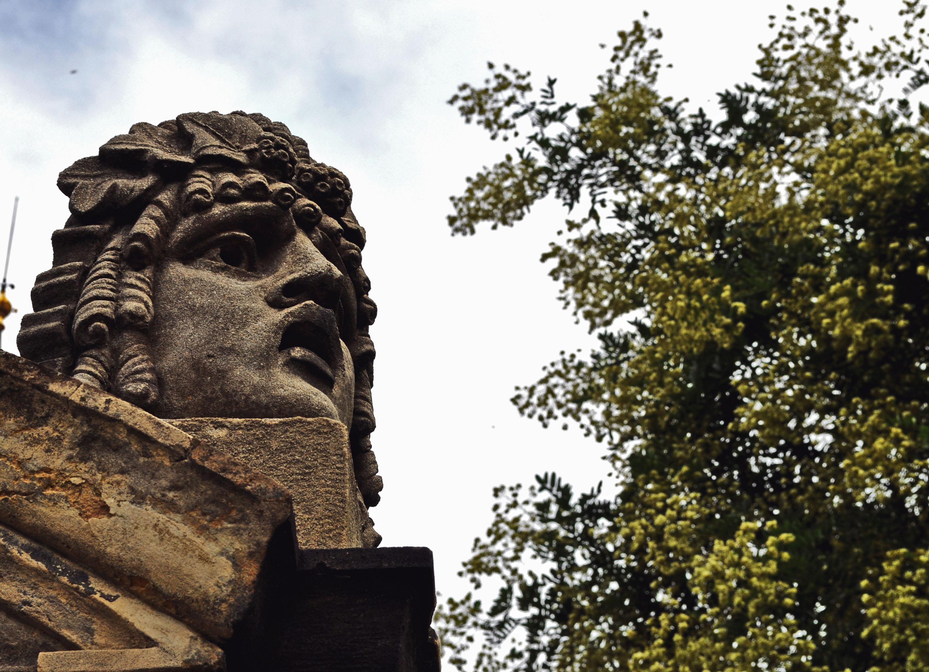 praga-statue