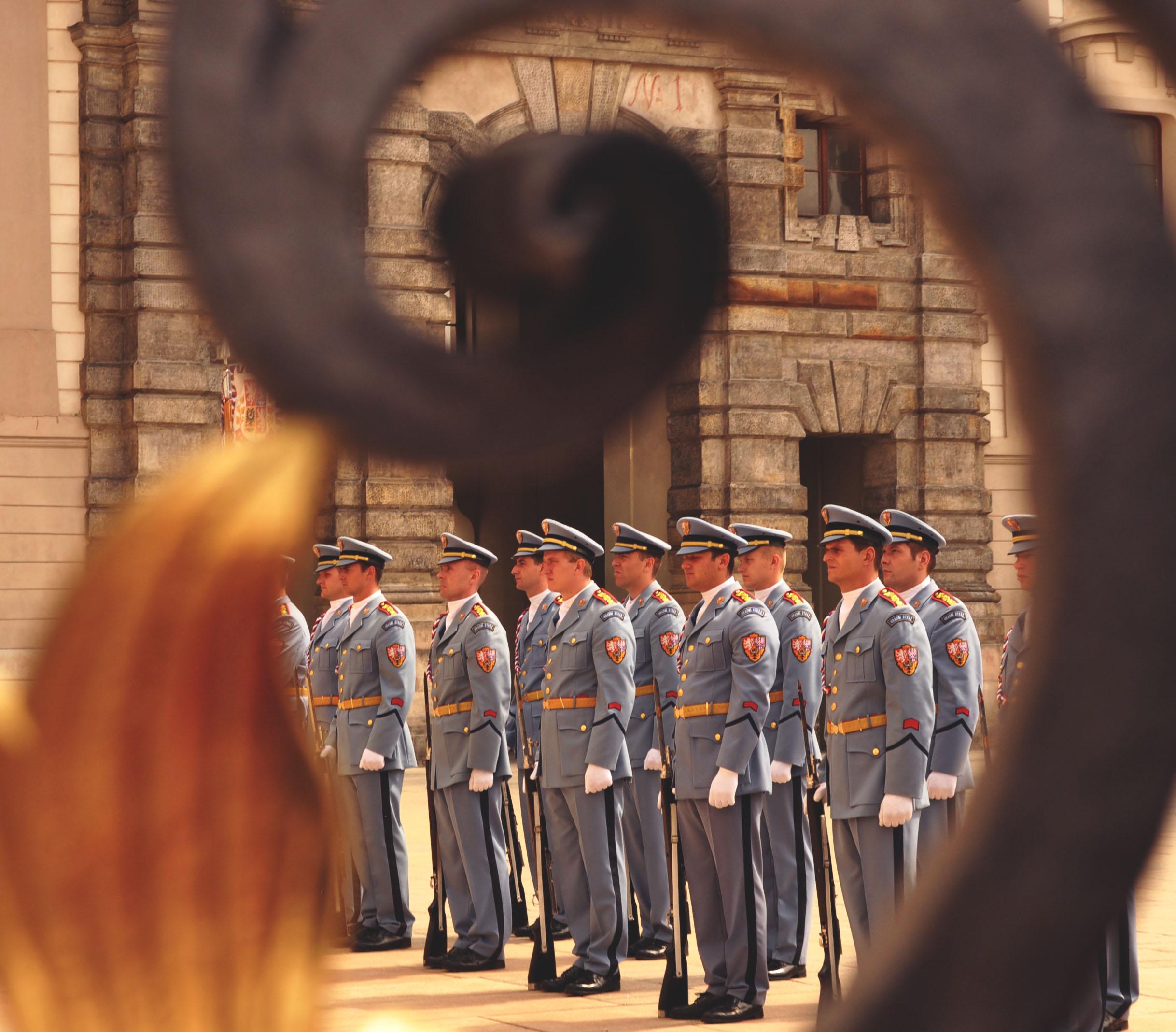 praha-castle-guards