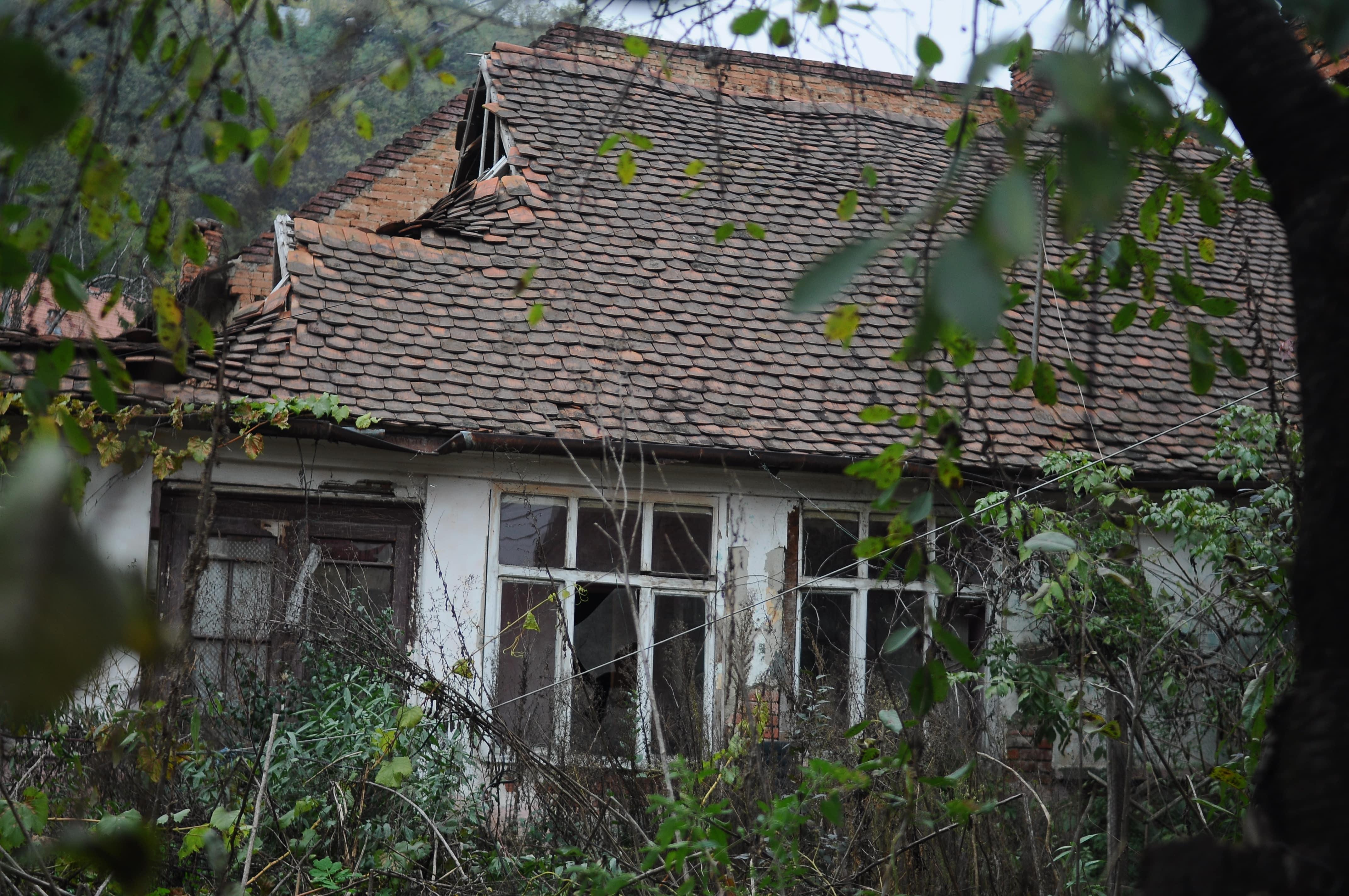 Casa derapanata Simleu - Raluca Turcanasu-min