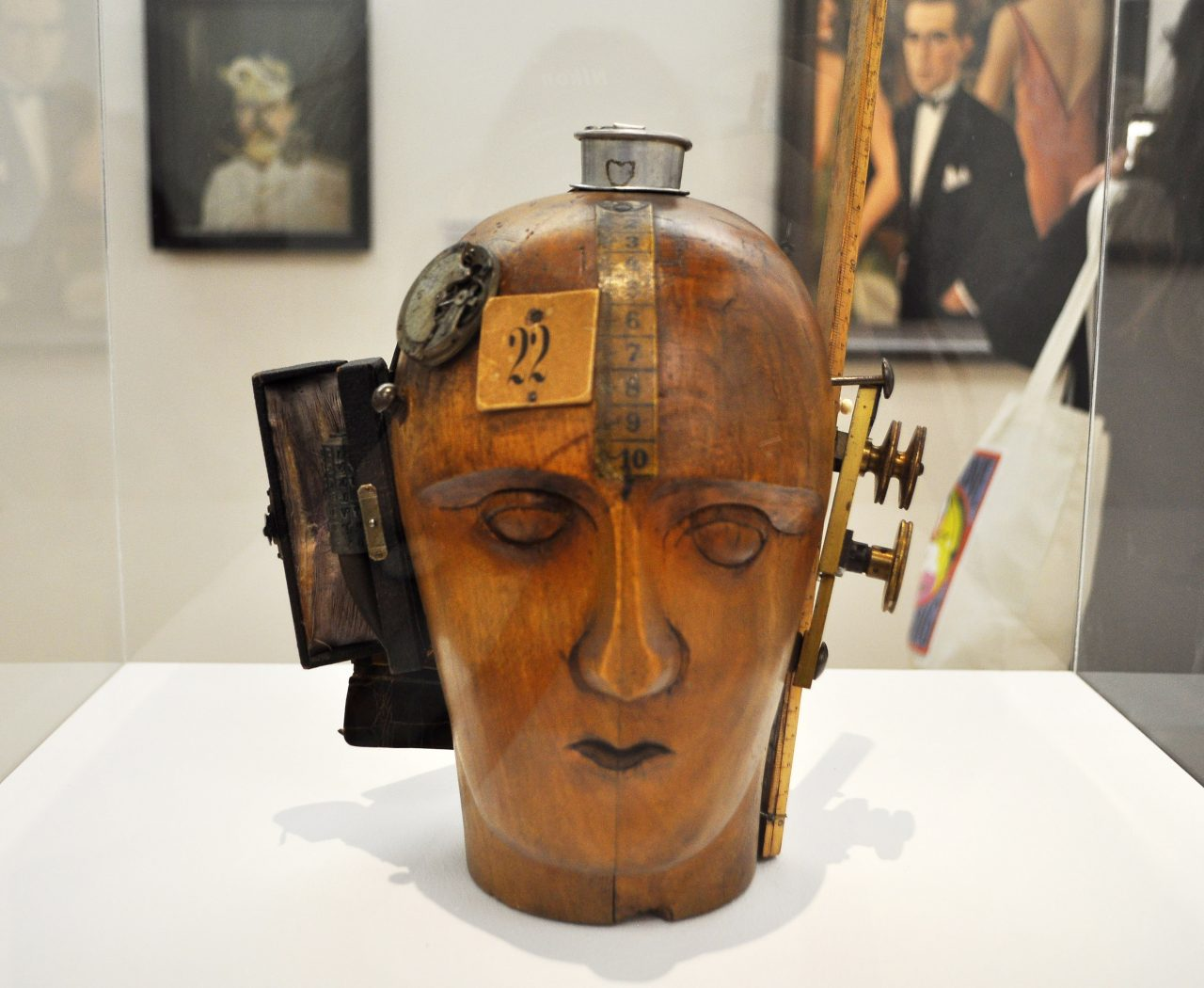 Masca Janco Pompidou - Raluca turcanasu