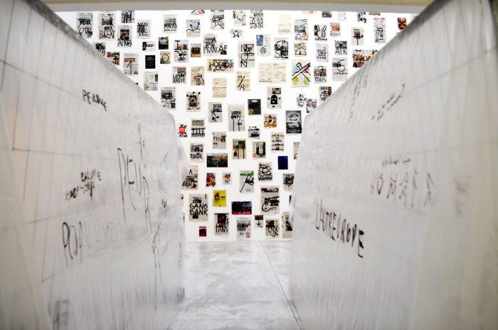 Dan Perjovschi Le mur apres le mur apres le mur - work - 2 feb 2019 - Raluca Turcanasu